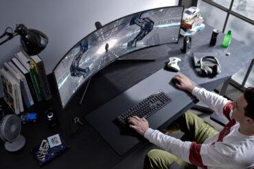 Samsung Rilis Monitor Gaming Layar Lengkung Terbarunya